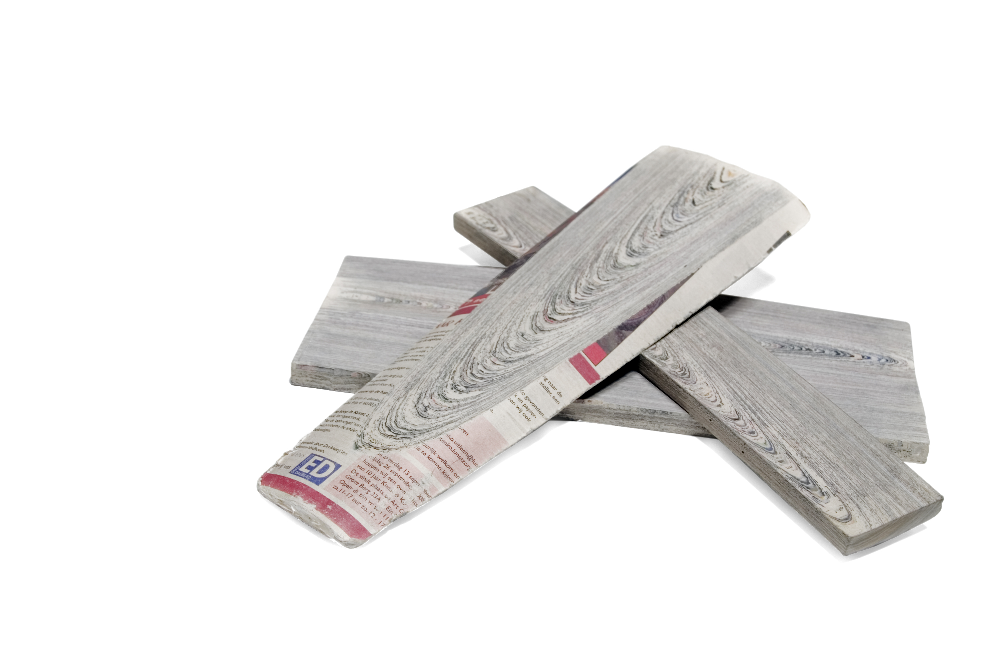 newspaper-wood-sakhtyab